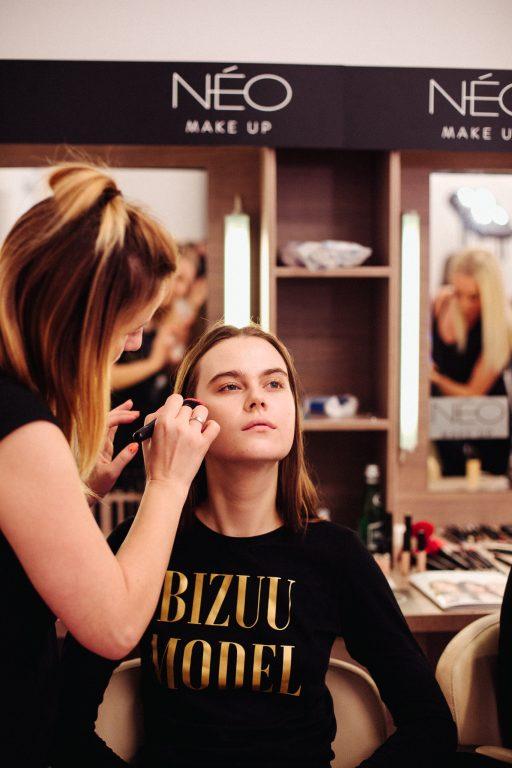 Kosmetyki NEO Make Up na pokazie mody polskiej marki Bizuu