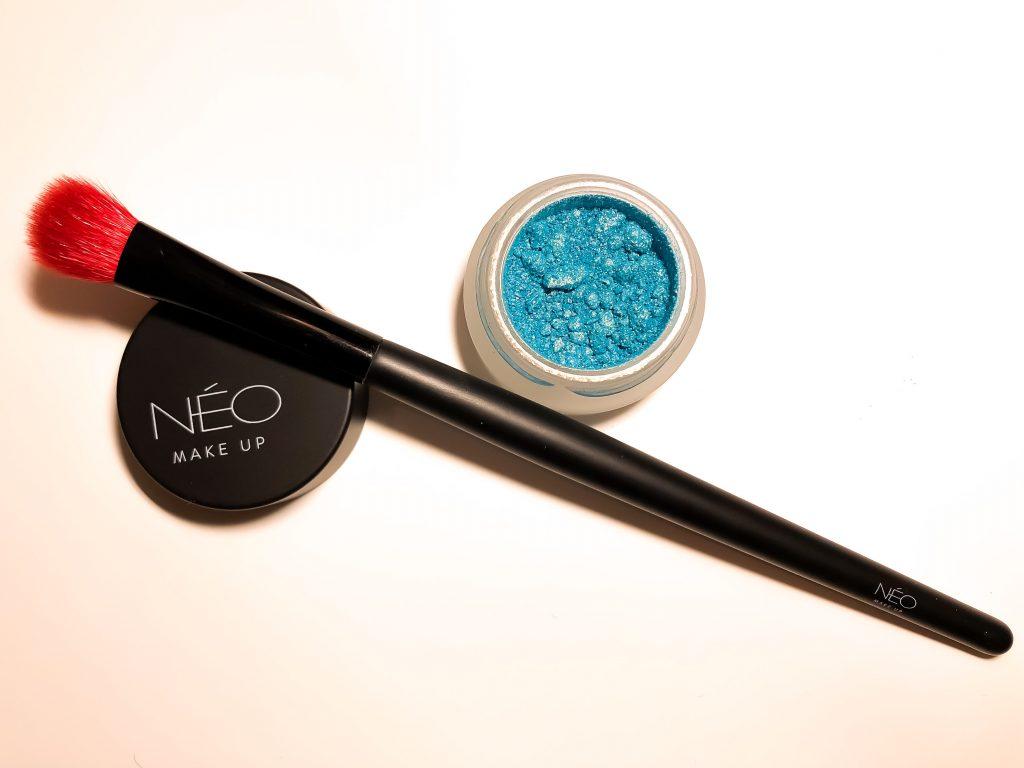 Cienie sypkie, pędzel do cieni sypkich NEO Make Up