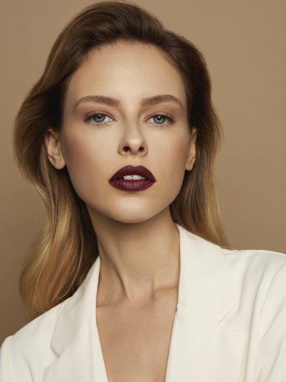 Elegancki makijaż Berry Revolution