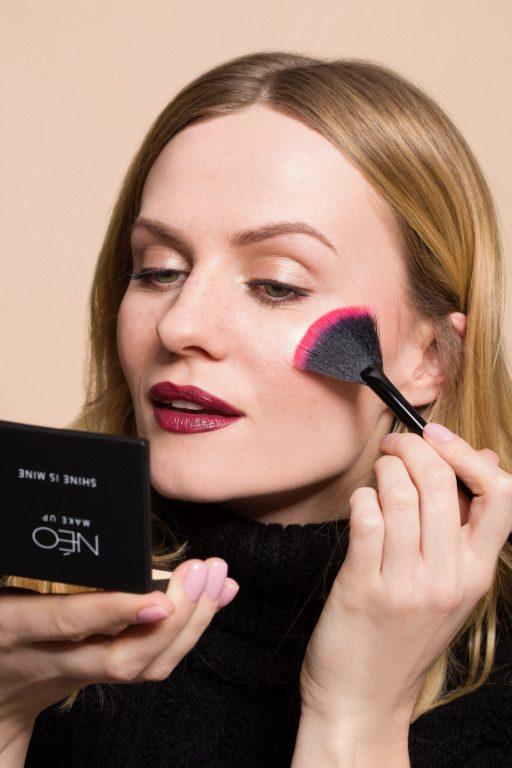 Makijaż klasyczny wykonany produktami NEO Make Up